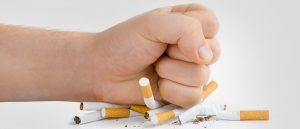 Superar las ansias de fumar en un entorno de fumadores
